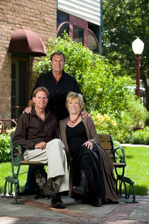 The Leland House Bed & Breakfast Suites Durango: Family owners of the Leland House