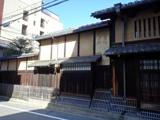 ‪Sugimoto Family House‬