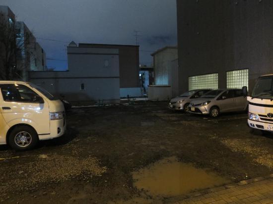 Hotel Sapporo Mets: 屋外駐車場