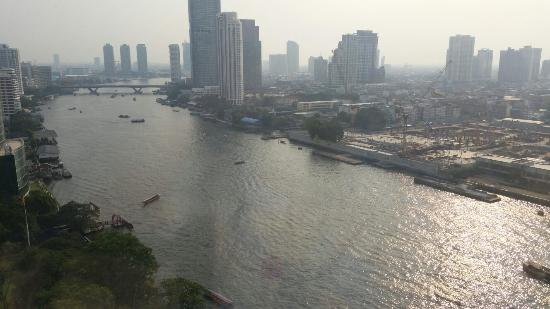 Royal Orchid Sheraton Hotel & Towers: Views from our room.