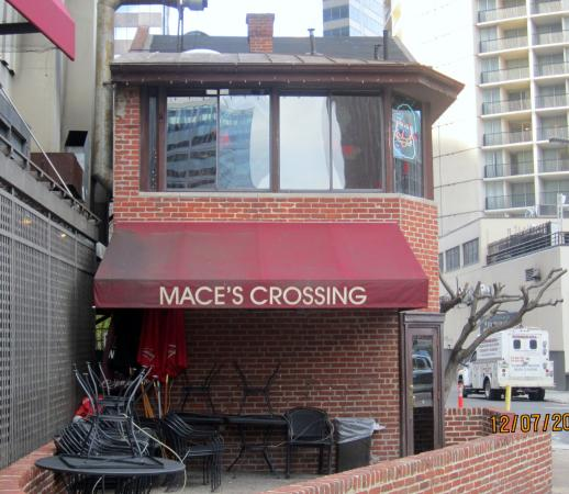 Mace's Crossing: Another view of Mace's with small outdoor patio