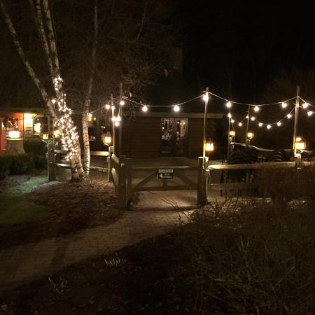 Jesse's Steak and Seafood: Outside dining...