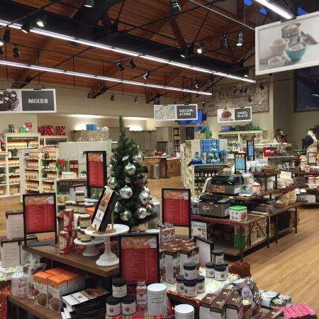 นอร์วิช, เวอร์มอนต์: King Arthur bakers shopping!