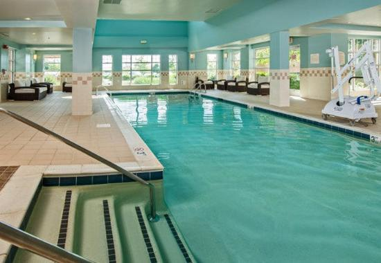 Residence Inn Dulles Airport at 28 Centre: Indoor Pool