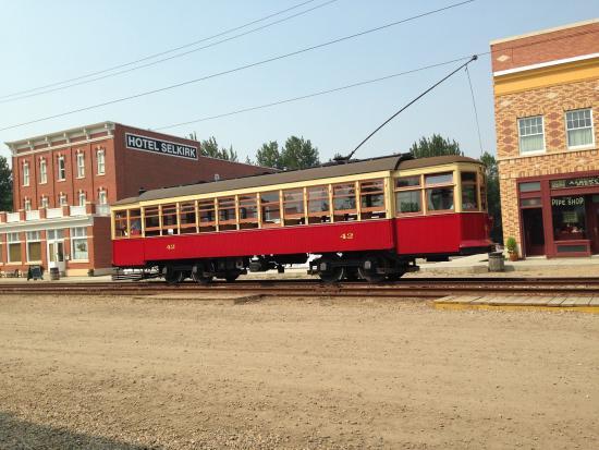 Fort Edmonton Park: street car