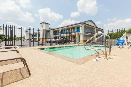 Days Inn Houston East : Pool