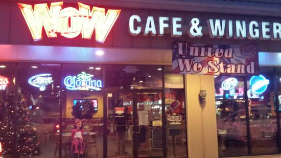 Wow Cafe & Wingery