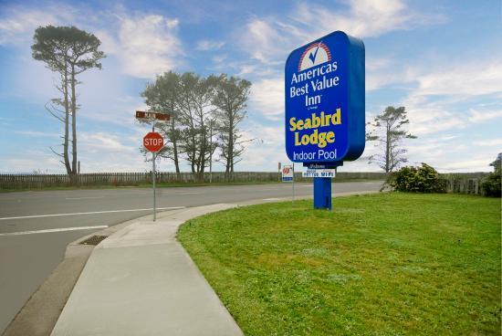 Seabird Lodge - a Signature Inn: Exterior Sign