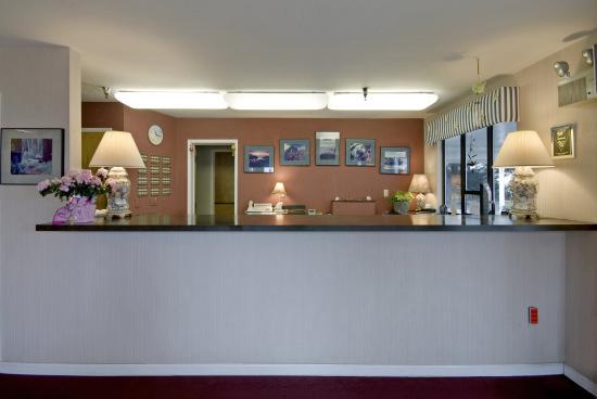 Seabird Lodge - a Signature Inn: Lobby