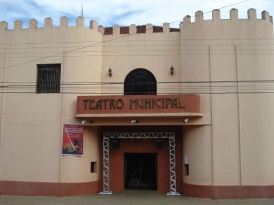 Assis: Frente do Teatro