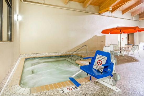 Ramsey, MN: Pool