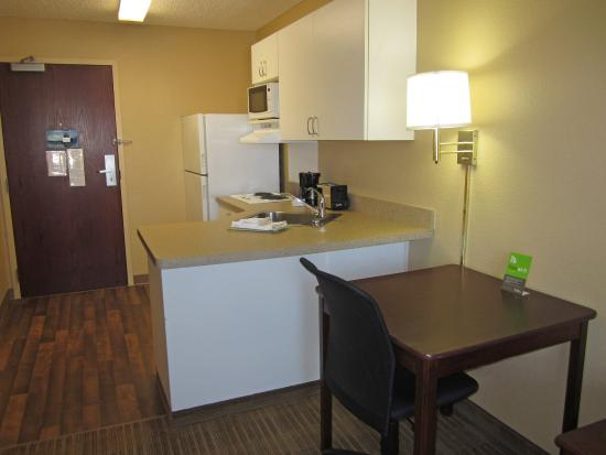 Extended Stay America - Los Angeles - LAX Airport: Fully-Equipped Kitchens