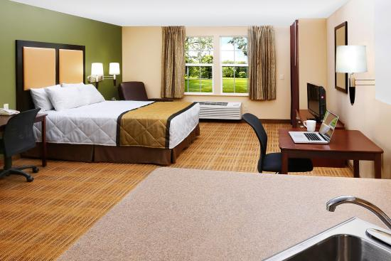 Extended Stay America - Washington, D.C. - Germantown - Town Center: Studio Suite - 1 Queen Bed