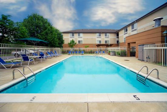 Extended Stay America - Phoenix - Biltmore: Swimming Pool