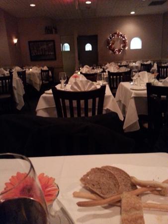 Queen Italian Restaurant Nice Quite Dinnning