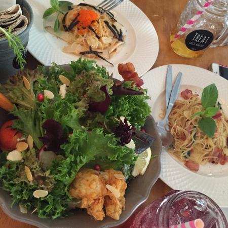 Treat Cafe & Hangout: photo2.jpg