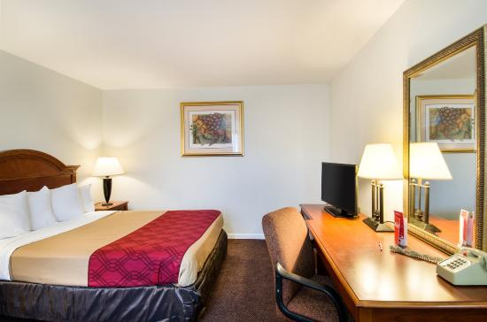 Econolodge Inn Amp Suites Updated 2017 Prices Amp Hotel