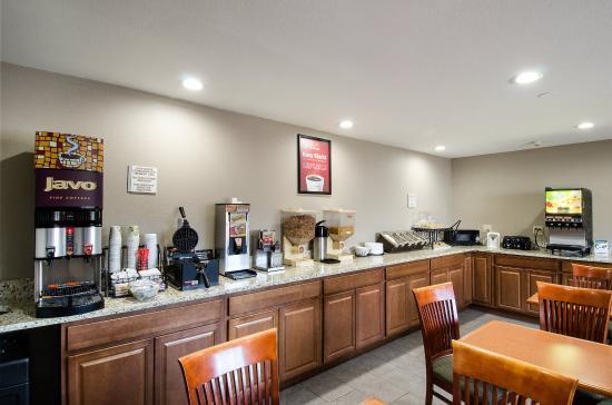 Northborough, MA: Breakfast Area