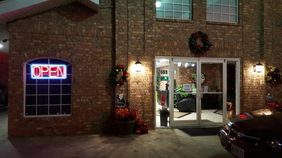 the brick house hotel 20151207_214309_largejpg