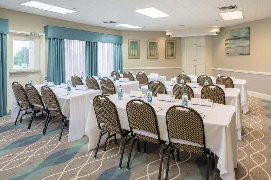 McKinleyville, Kalifornien: Our meeting rooms offer a great, functional space for your meeting