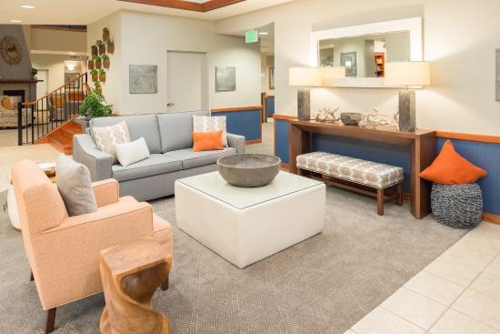 McKinleyville, Kalifornien: Our Lobby seating area