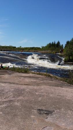 Pinawa, Canada: waterfall