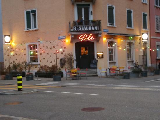 Poli Bar
