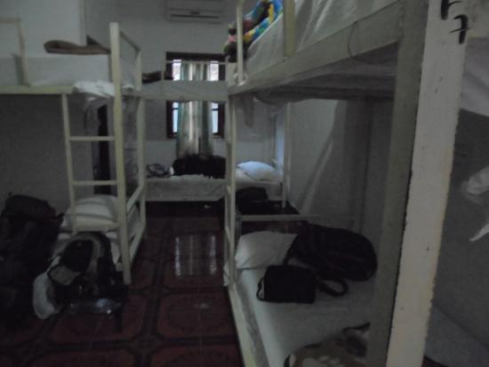 Spicylaos Backpackers: This is one of the rooms.