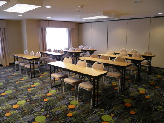 Holiday Inn Express Hotel & Suites Raleigh North - Wake Forest: Meeting Room