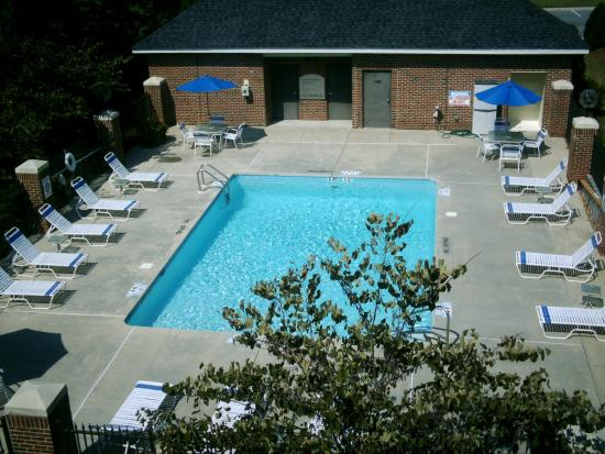 Holiday Inn Express Hotel & Suites Raleigh North - Wake Forest: View from Hotel