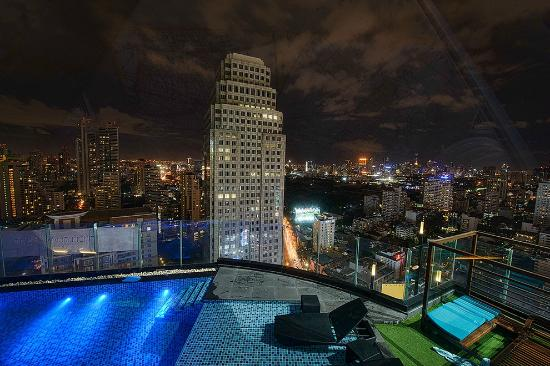 The Continent Hotel Bangkok by Compass Hospitality: view from sky bar