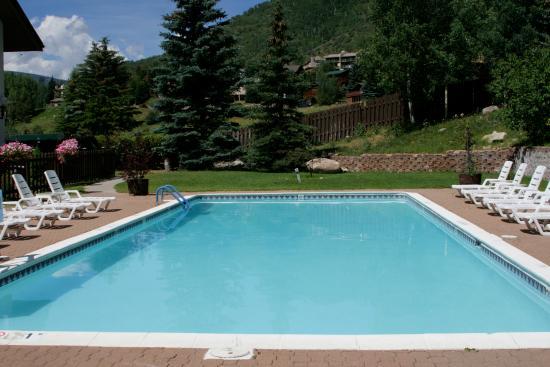 Holiday Inn Vail: Swimming Pool