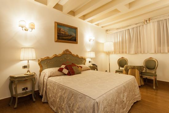 Hotel Al Ponte Mocenigo: double economy