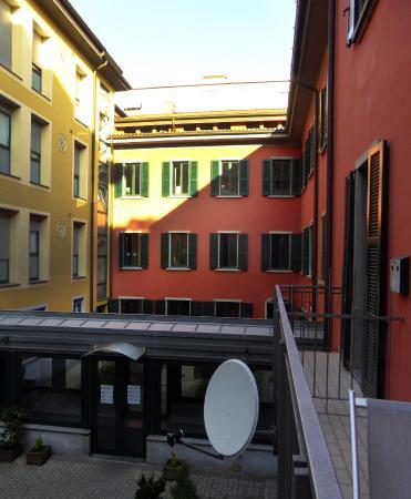 Innegården hos Central Hostel BG.