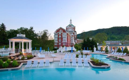 ฮอตสปริงส์, เวอร์จิเนีย: Allegheny Springs outdoor pool