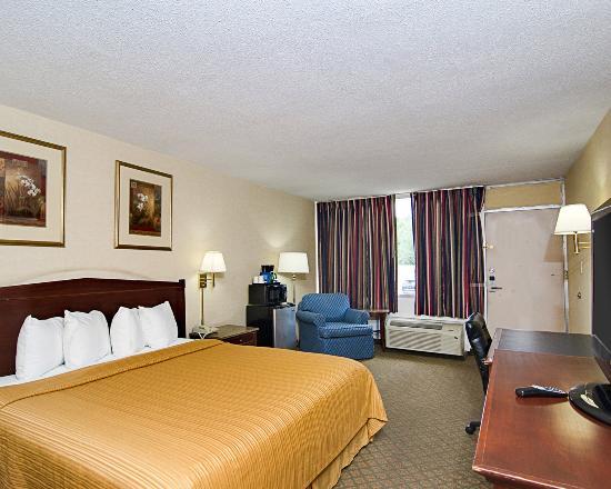 New Market, VA: King Room