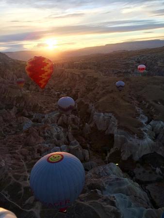 Magic Valley Cappadocia Day Tours: Полет на воздушном шаре в Каппадокии