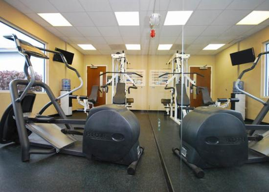 Quality Inn & Suites: Exercise area