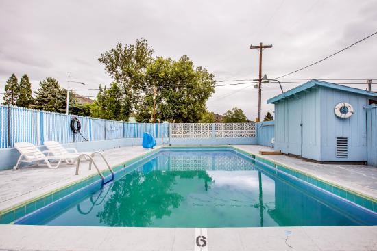 Rodeway Inn Yreka: Pool