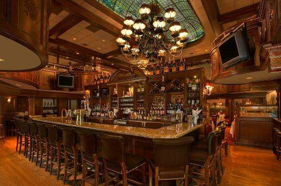 Morristown, NJ: The Bar at Rod's Steak and Seafood Grille