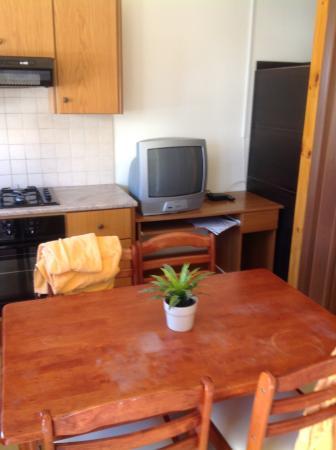 Pervolia, Κύπρος: Kitchen