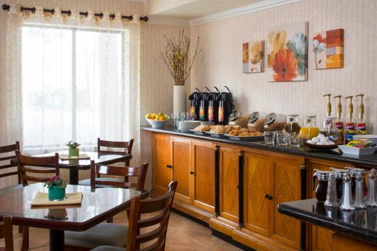Millwood Inn & Suites: Millwood Breakfast