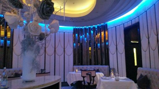 The Oval Restaurant: The Wellesley Oval Restaurant and Jazz Lounge