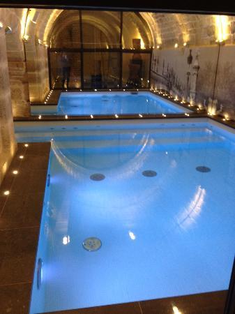 La Piscine Avec Jets Massants Photo De Hotel La Lanterne Paris