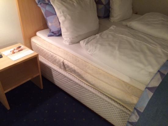 Korsoer, Danmark: A bed below standard