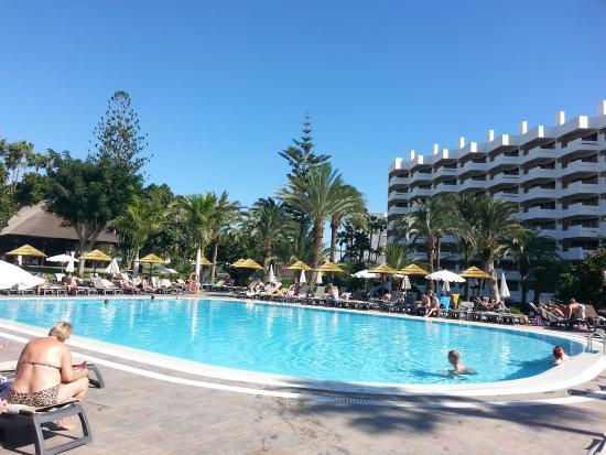 Barcel margaritas piscina bild fr n occidental for Piscina playa del ingles