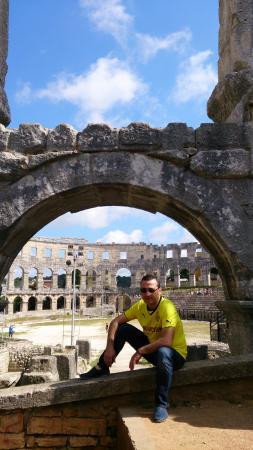 Hotel Laguna Materada: Колизей Пулы