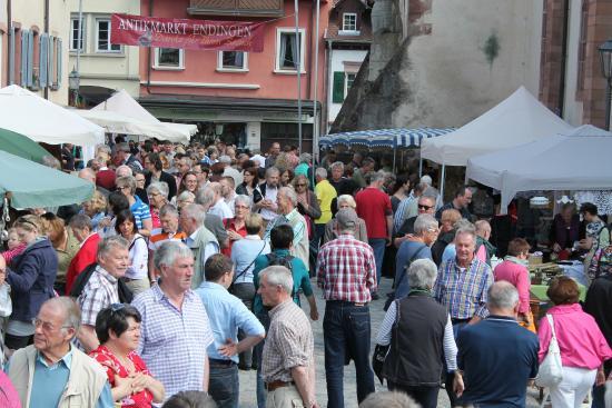 Endingen am Kaiserstuhl, Alemania: Altstadt Antikmarkt 2015 in Endingen