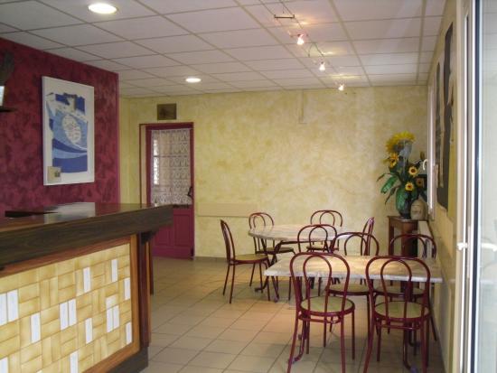 Romaneche-Thorins, فرنسا: salle de bar