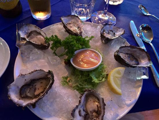 George's Steak & Seafood Restaurant: Oysters
